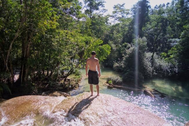 Roberto Barrios Falls, Mexico