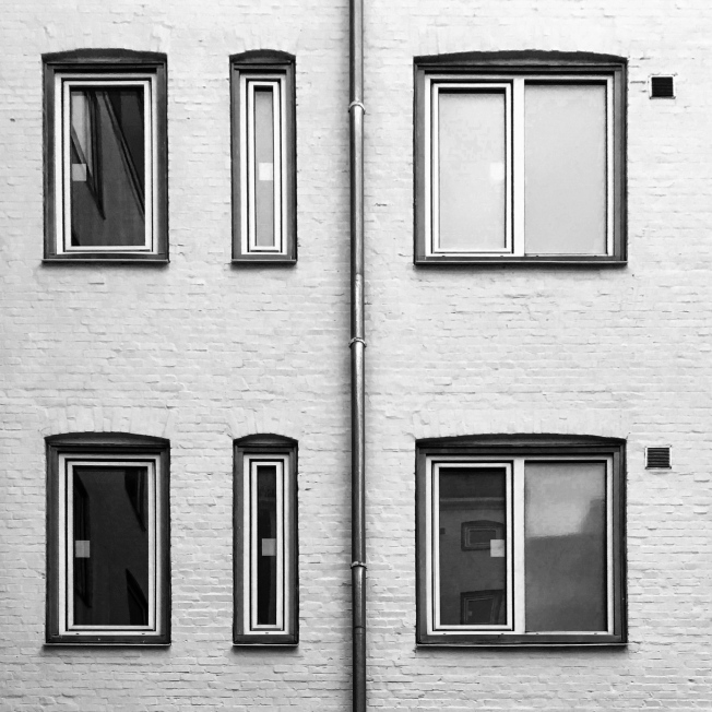 Windows symmetry